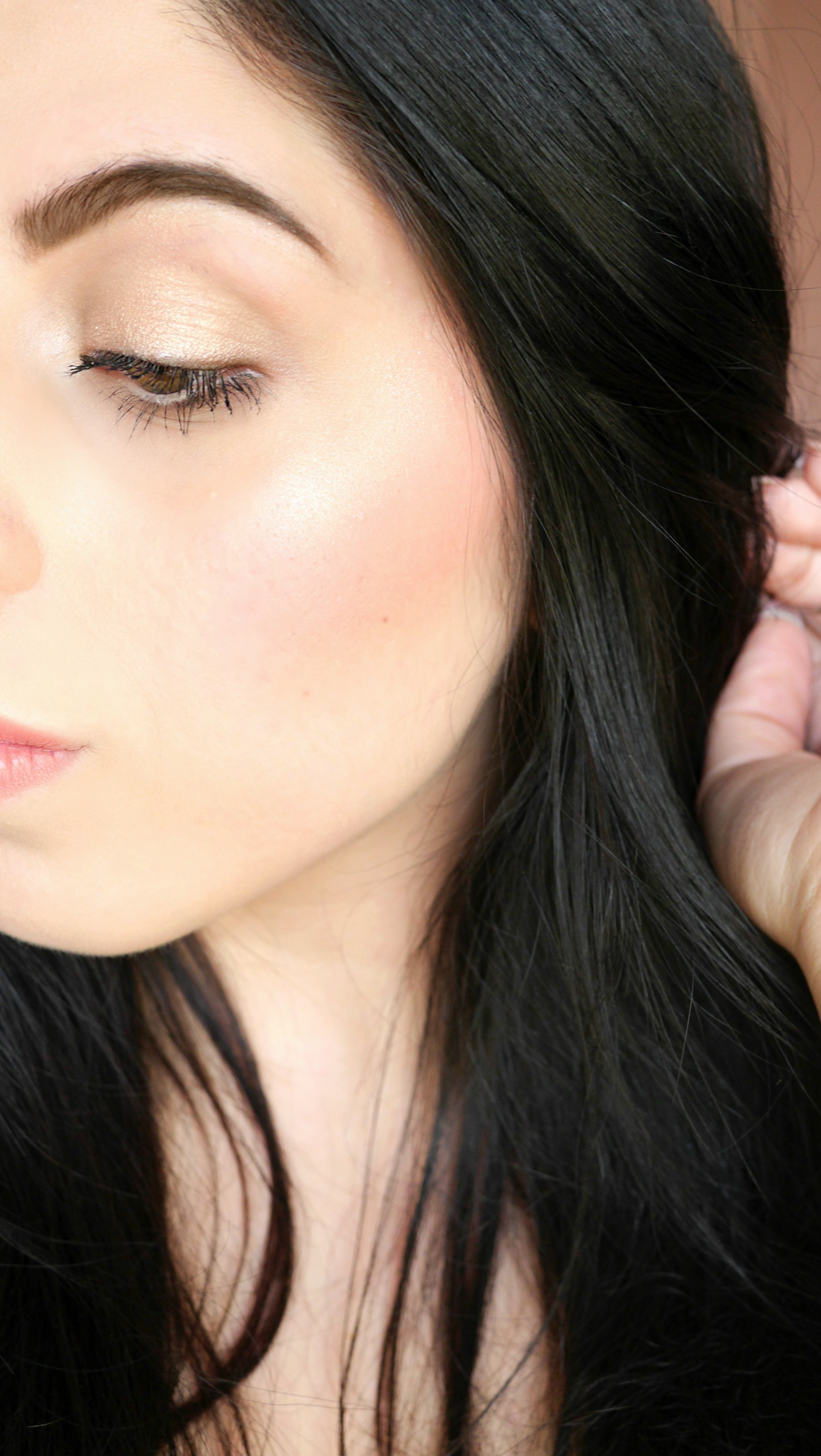 Natural Glam Tutorial – Bright, Glowing Skin