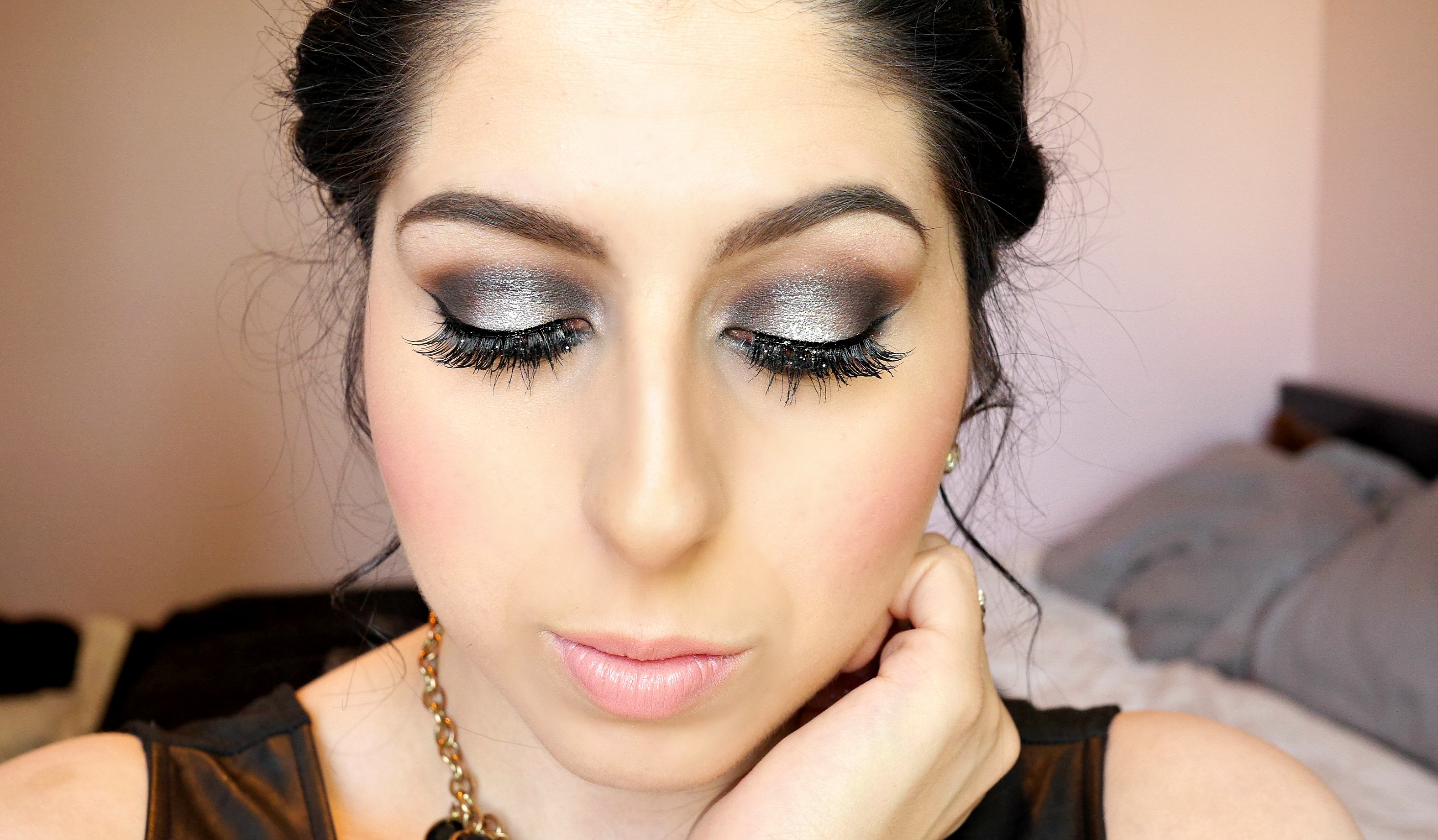 Prom/Grad Tutorial – Silver Smokey Eyes