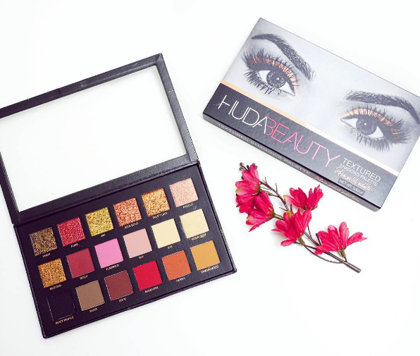 Huda Beauty Palette Review (Blogmas 2016 Day 4)
