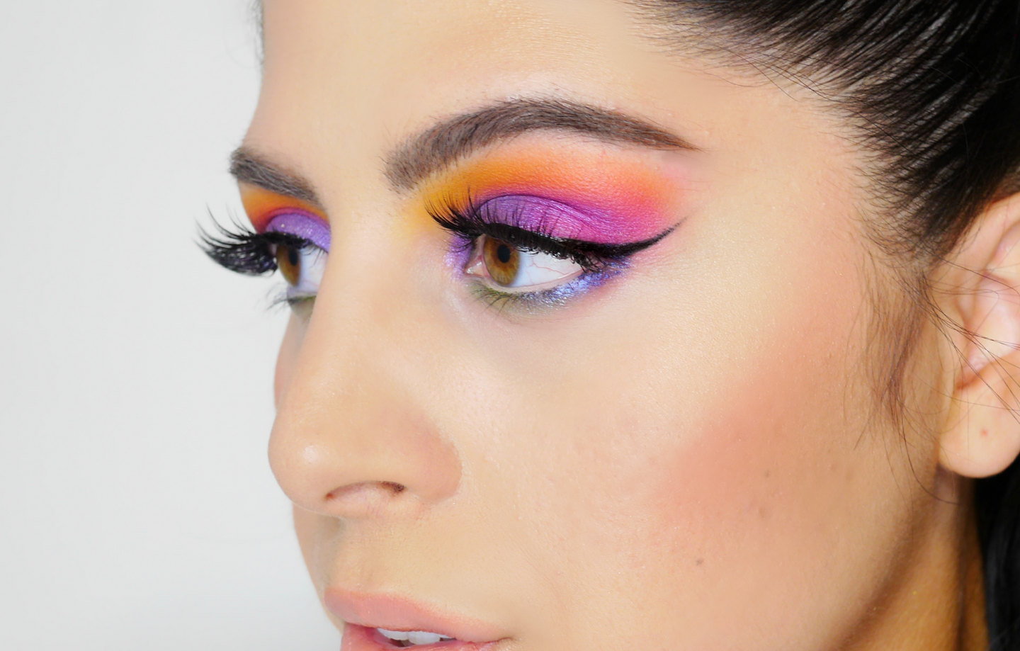 Colorful Pride Makeup – Huda Beauty Obsessions Electric Palette