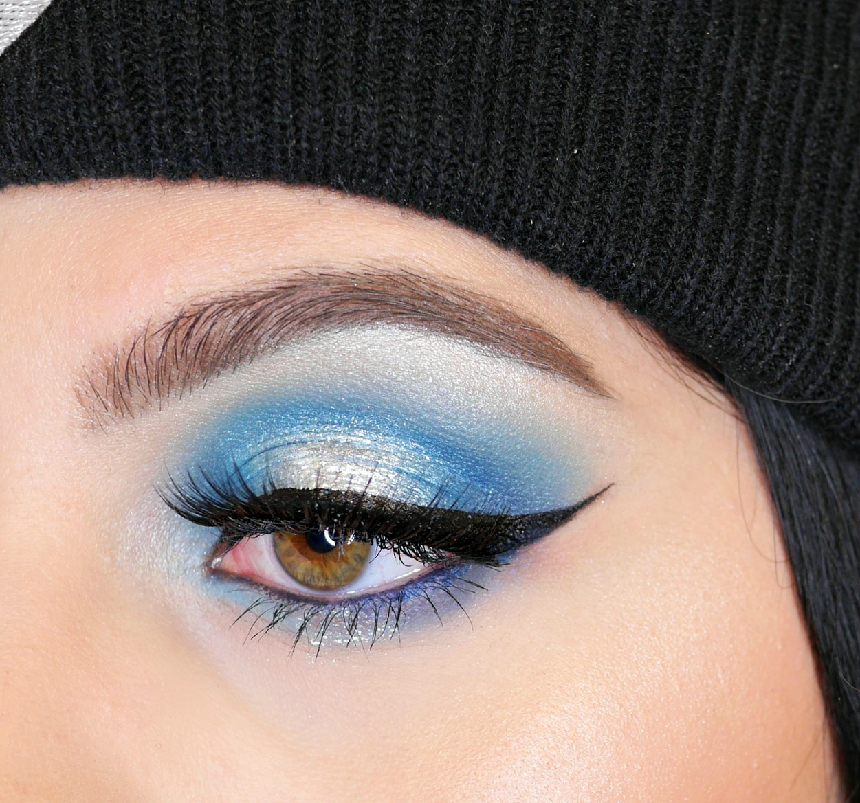 Blue Eyeshadow Halo Eye Makeup